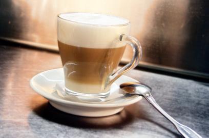 Тонкости подачи кофе латте