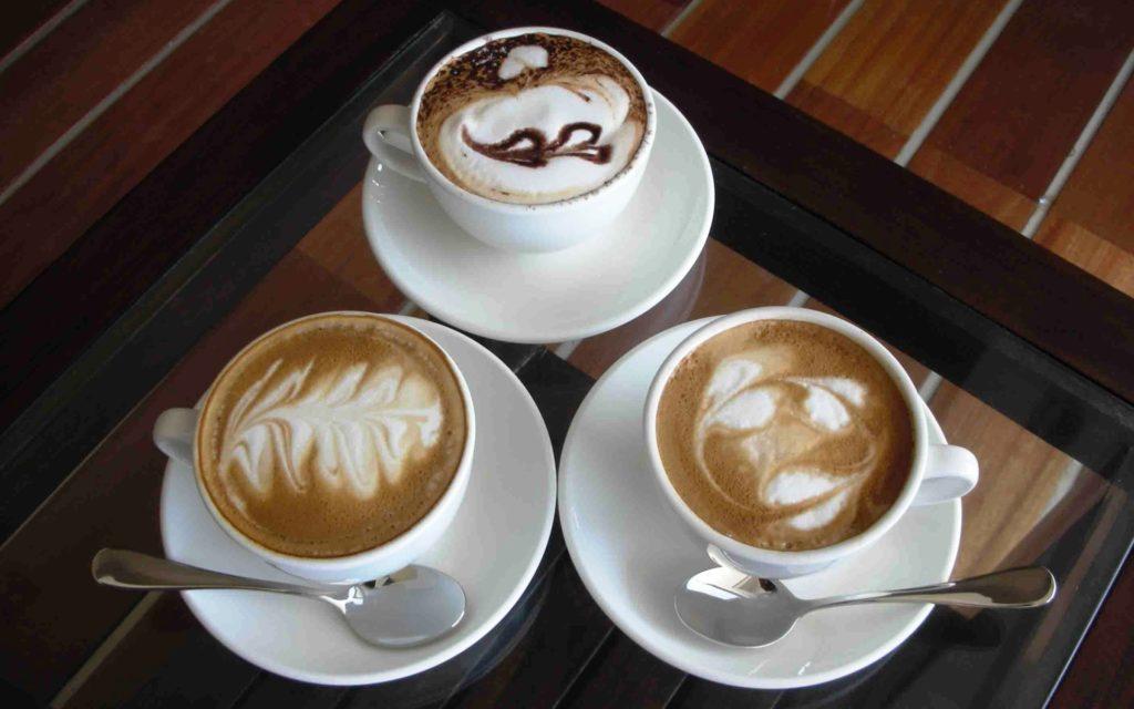 Чашка для капучино. Как правильно выбрать объем чашки и ее форму, чтобы наслаждаться капучино?