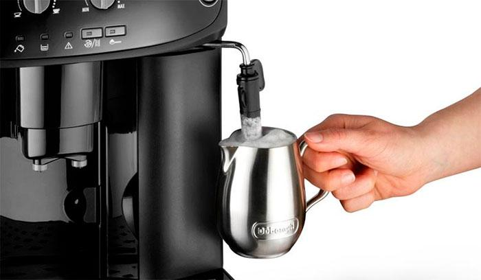 Как правильно взбить молоко с помощью кофемашины?