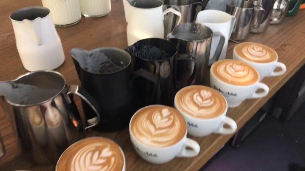 рисунки на кофе питчером