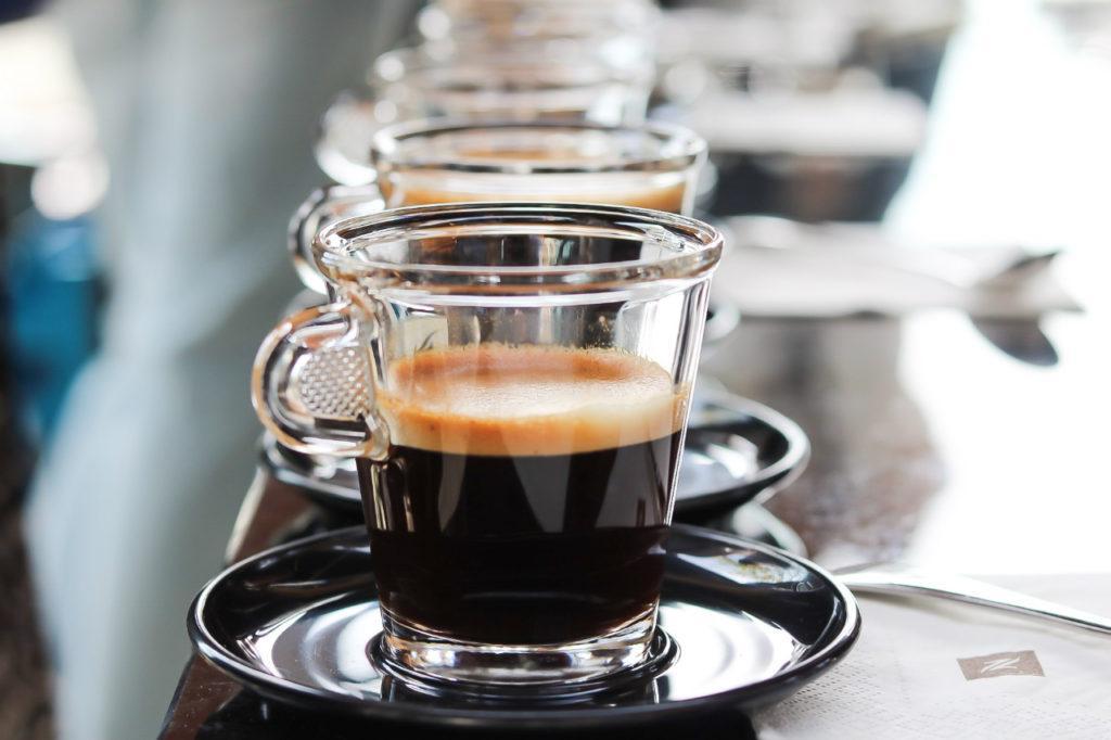 подача кофе ристретто