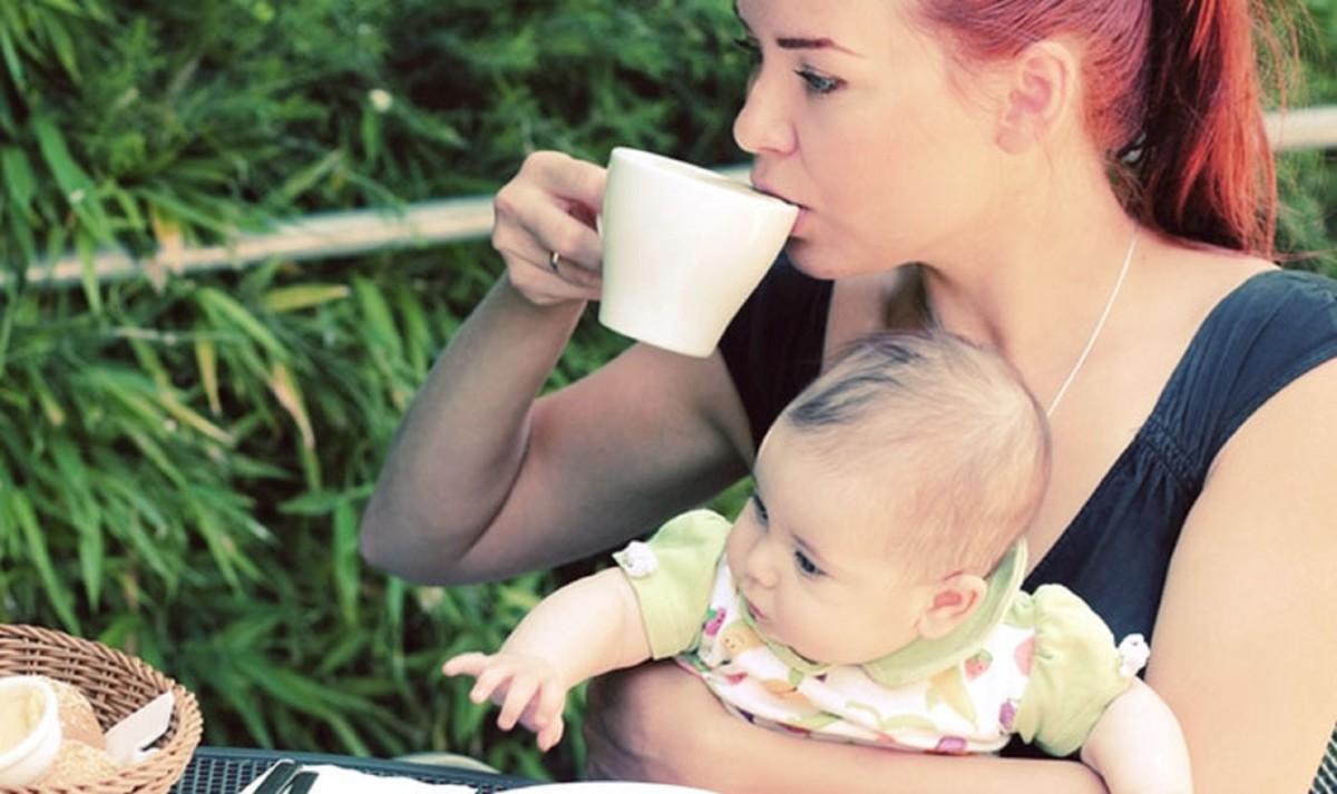 Можно ли кофе кормящим мамам новорожденных комаровский