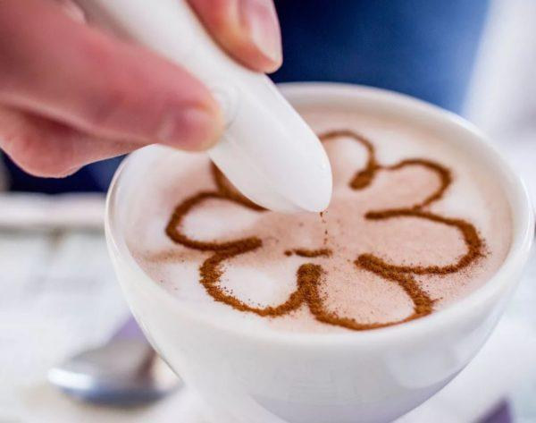 как рисовать рисунки на кофе