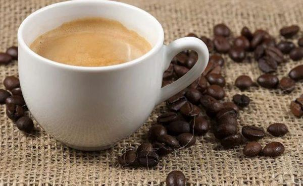 Кофе с молоком - влияние на организм, рецепты, варианты